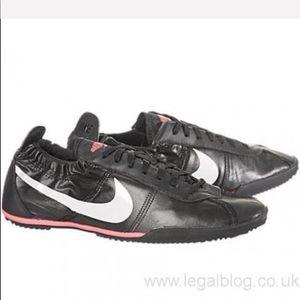 Nike Women's Tenkay Low Black